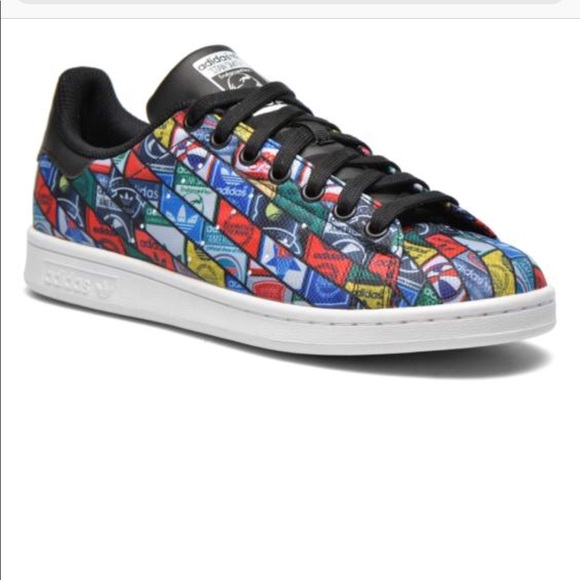 tout neuf 8fae9 9f4c3 Stan Smith Adidas multicolor over branded shoes
